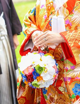 リゾート挙式をされる花嫁さま画像